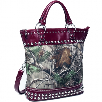 Realtree ® camouflage oversized studded tote bag