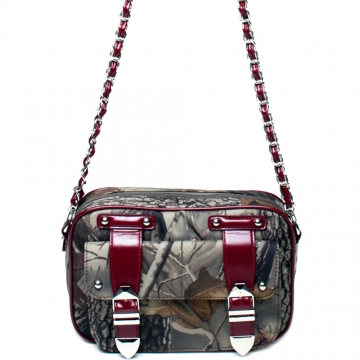 Realtree ® camouflage crossbody/ messenger bag with chain