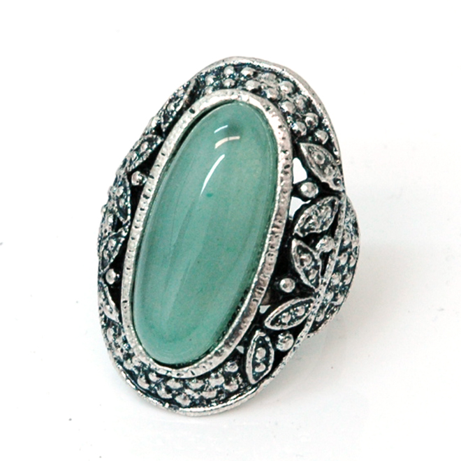 Oblong Vintage Ring w/ Colored Stone