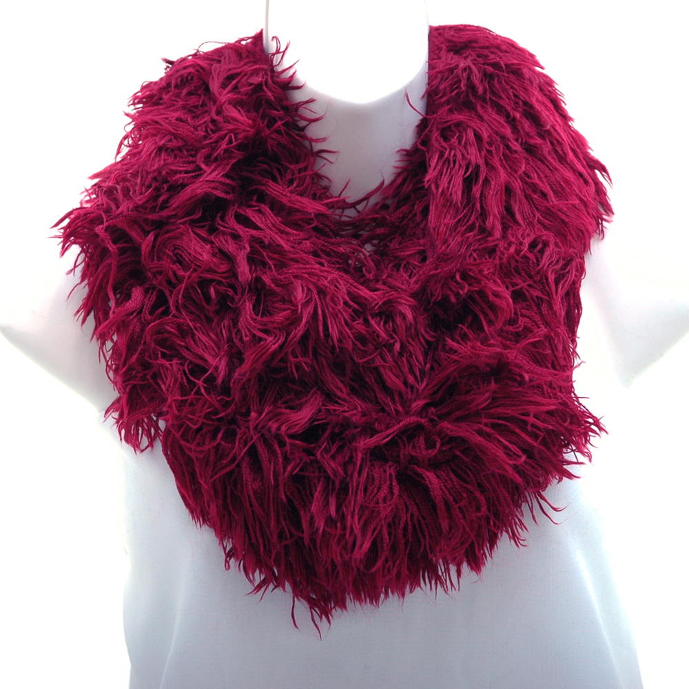 Shaggy Loop Scarf w/ Knitted Inside Surface