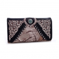 Realtree® Embroidered Tri-fold Wallet with Turquoise Studded Concho
